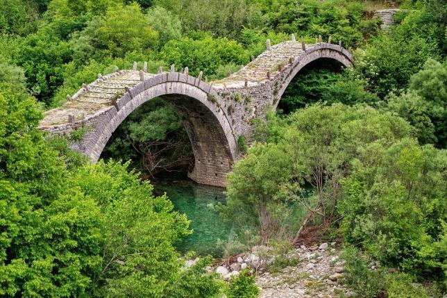 Ζαγοροχώρια-Πέτρινο γεφύρι Κοντά στους Κήπους