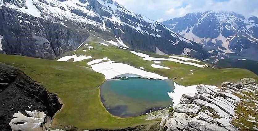 ορεινές λίμνες-ΔΡΑΚΟΛΙΜΝΗ ΤΥΜΦΗΣ